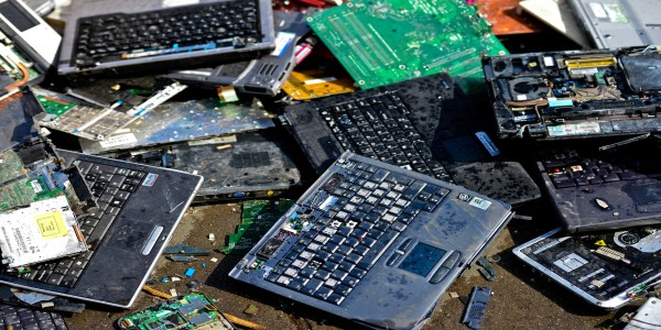 Windows 11? Another wave of pollution /img/computer-e-waste.jpg