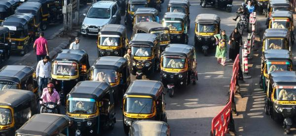 What could Europe learn, and copy, from India's electric rickshaws? /img/india-traffic-e-rickshaws.jpg