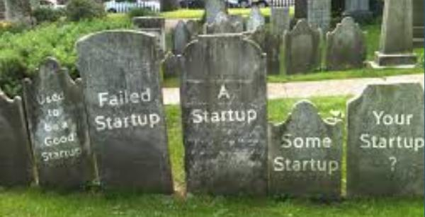 Startups cannot die Open Source /img/startups-graveyard.jpg