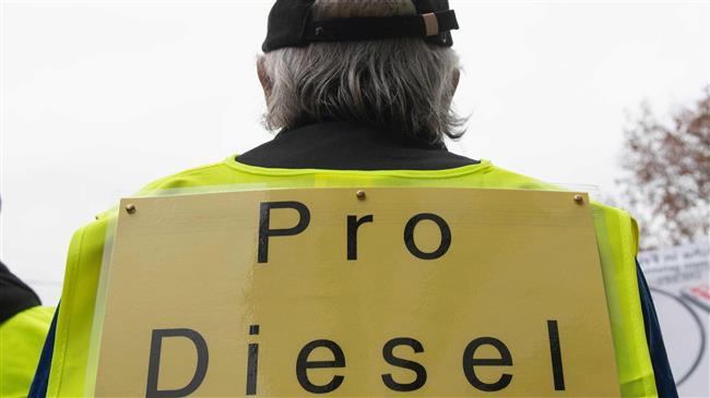 Rationing may be the new degrowth. And it may be great /img/yellow-vests-pro-diesel.jpg